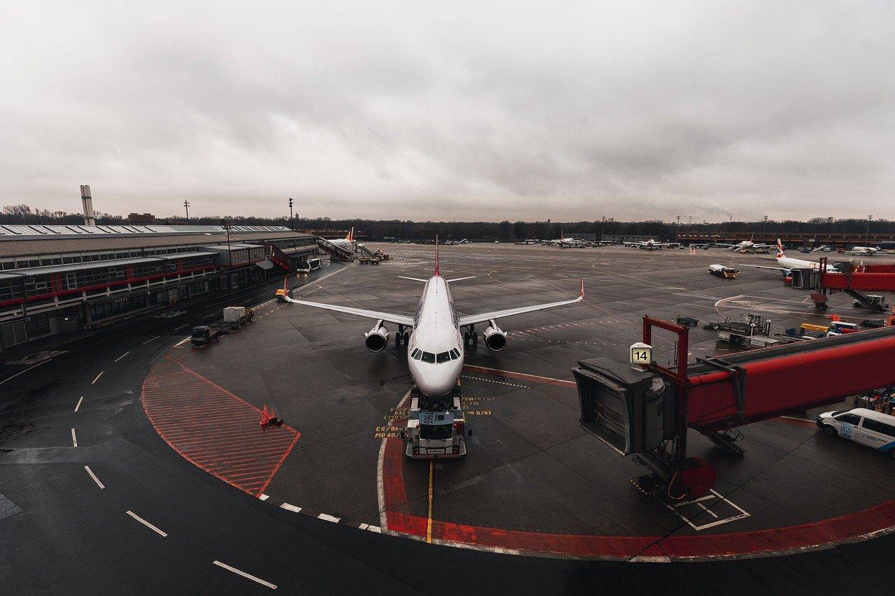 Por qué es seguro viajar en avión durante la pandemia